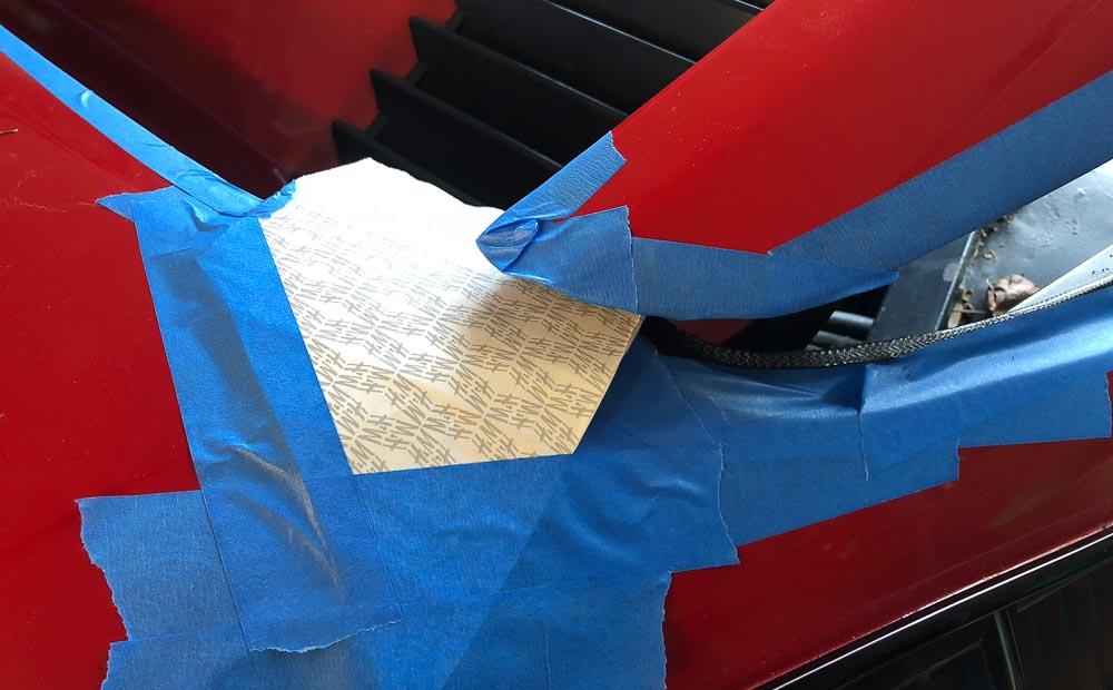Removing Ferrari 308 decklid