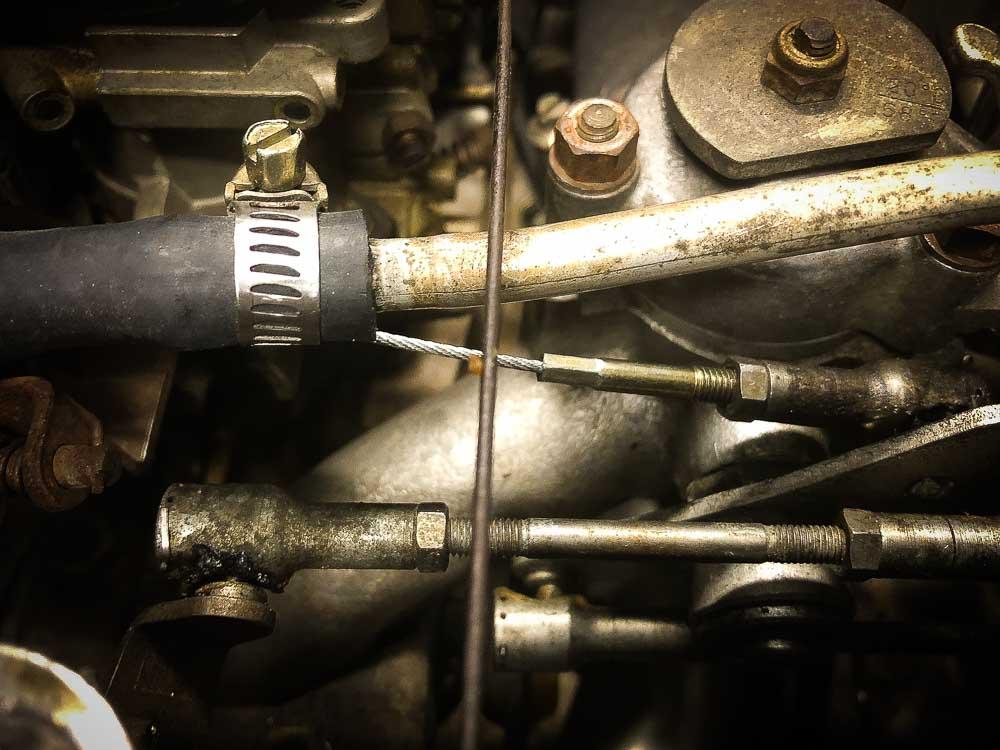 Ferrari 308 throttle cable attachment